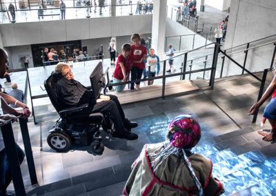Moesgaard-Museum-Aarhus-Oprindelsestrappen-Stephen-Hawking