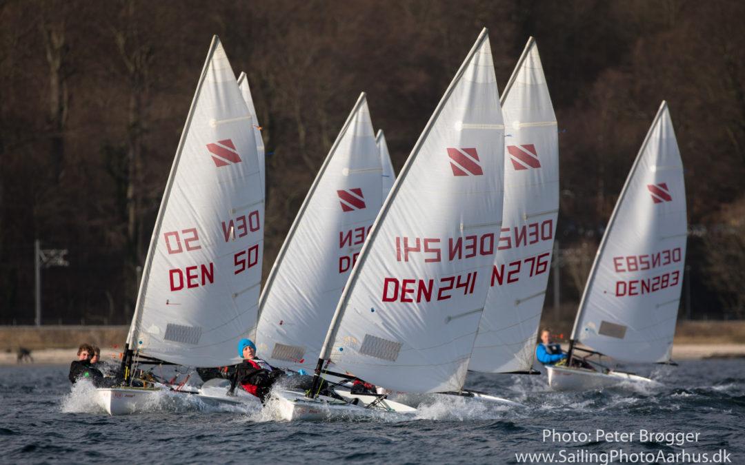Danske Zoom8-sejlere jagter EM-titel på Aarhusbugten i påsken