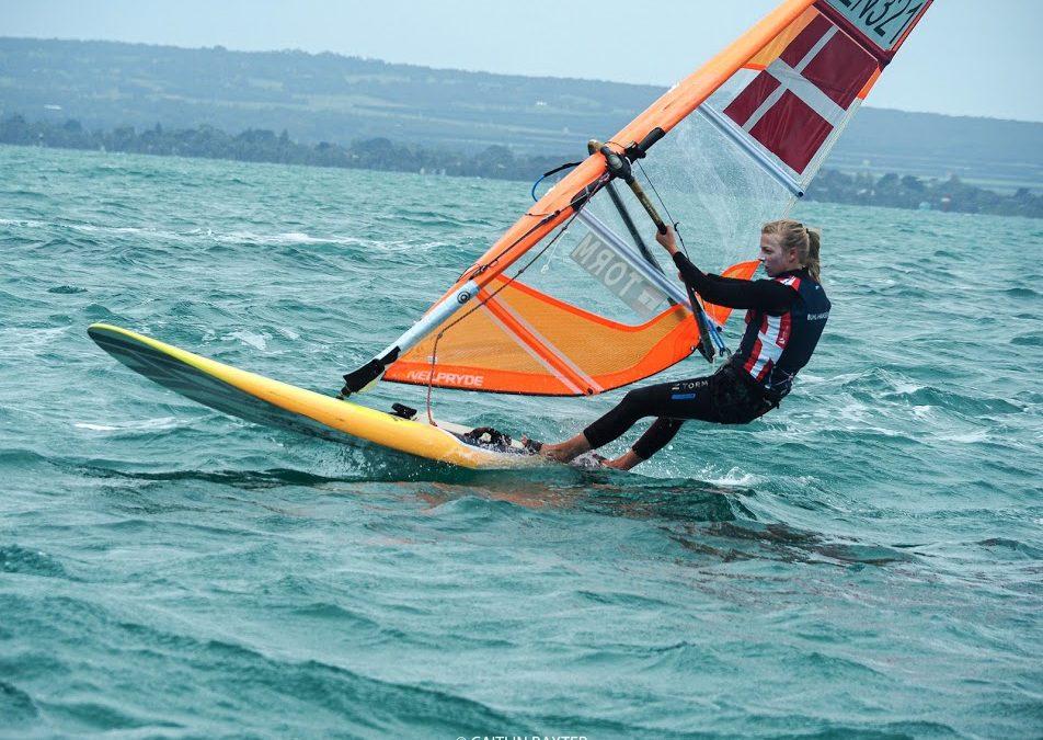 VM '20: 17. plads til windsurfer Lærke Buhl-Hansen i RS:X