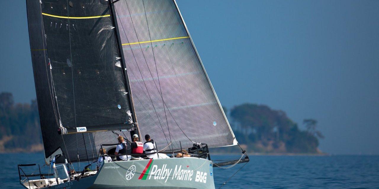 Hansen Sailing Team vil sætte ny referencetid i Round Denmark Race – i dag går starten