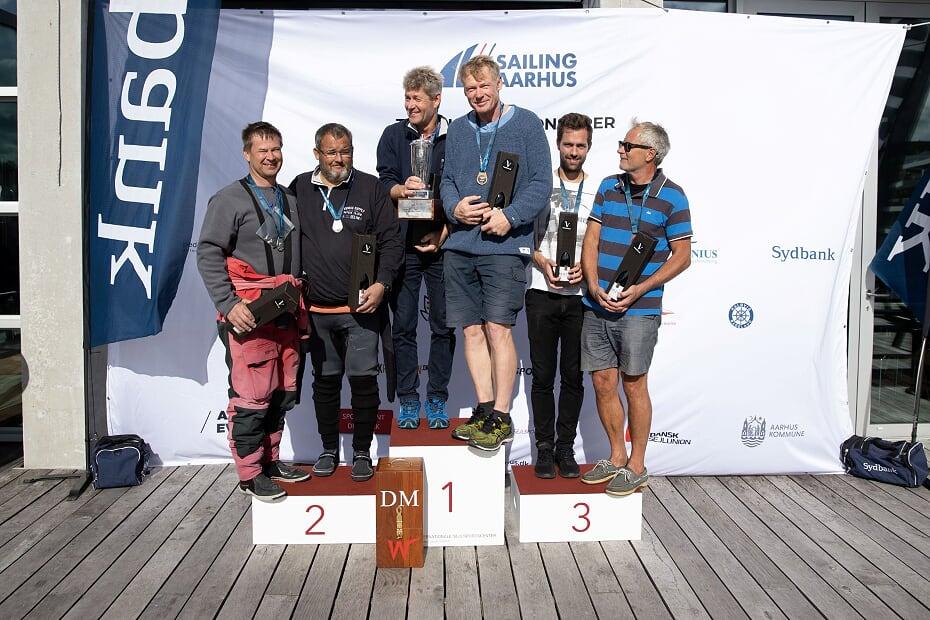 DM-titelkamp og dramatik i Regattaen under coronakomprimeret Sailing Aarhus Week