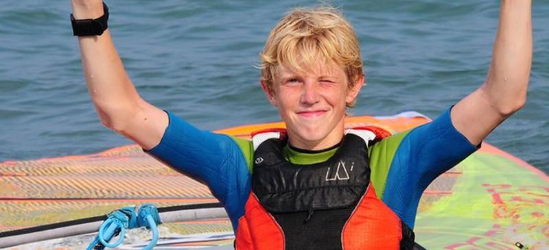 VM guld til Niklas Lillelund i Formula Windsurfing...